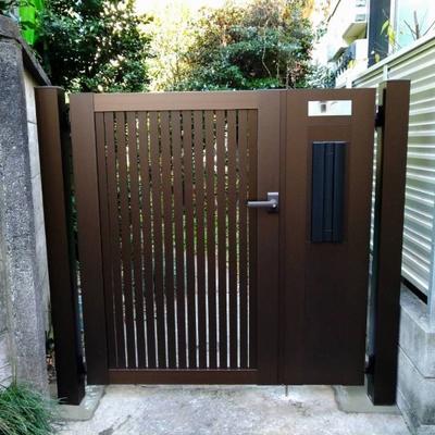 文京区 古くなった木製門扉をポスト付き門扉にリフォーム工事